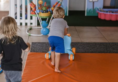 PädA_Kinder im Bewegungsraum